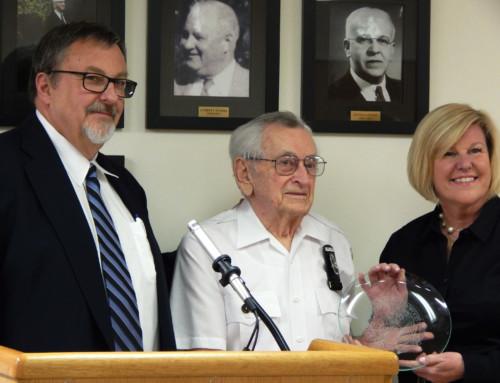 Mayor Mahr honors multiple members of the Fanwood community
